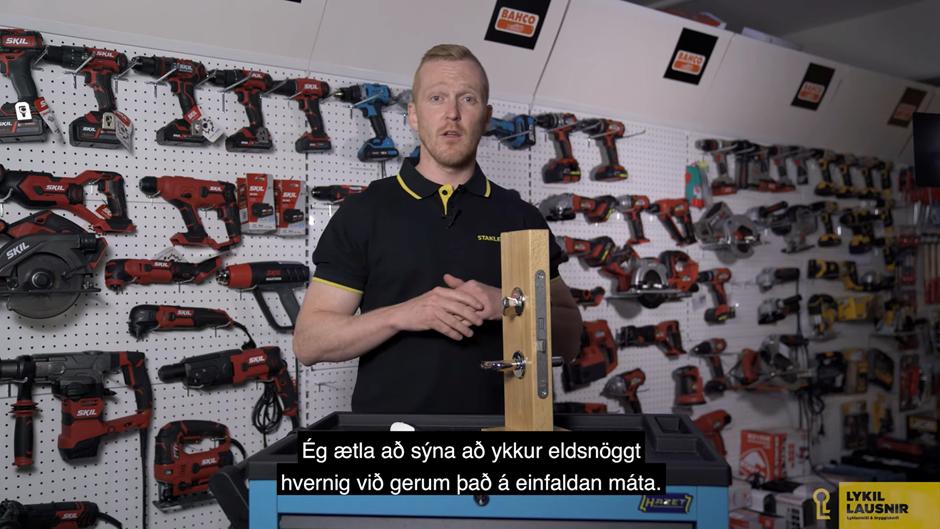 Engin geimvísindi á bakvið hurðarhúninn
